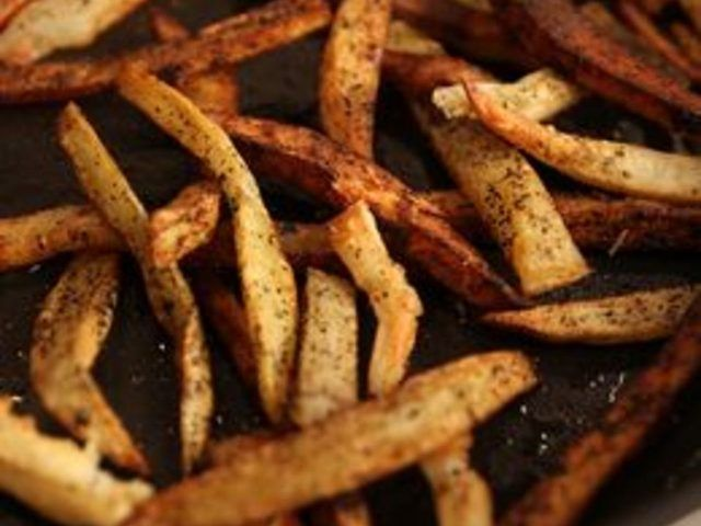 How to Reheat Fast Food French Fries - Quick and Crispy