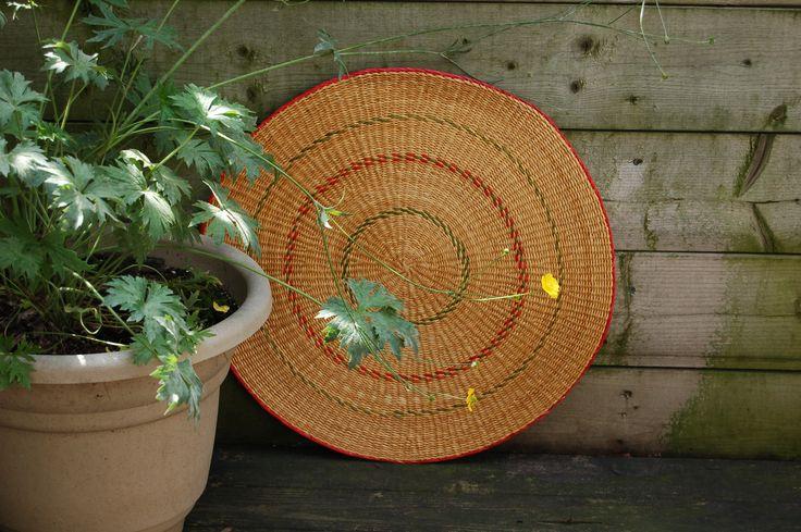 A little color in the garden... #rustic #garden #summer #African #tropical #designideas