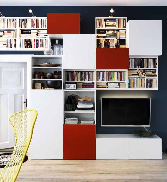 Le rangement modulaire BESTÅ VARA en blanc et orange vous permet d'organiser télévision, livres, CD et tout le reste, à la perfection.