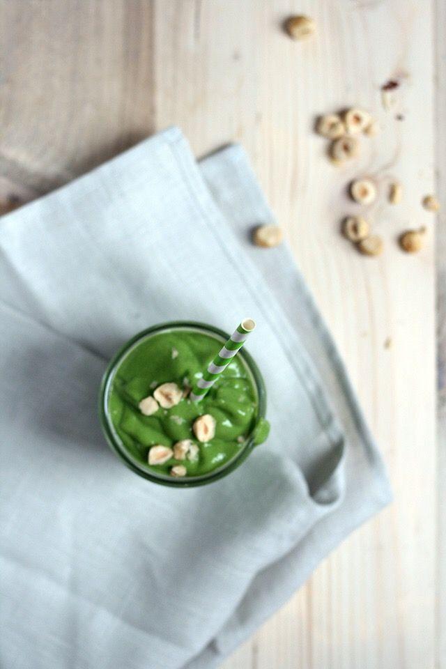 avocado smoothie met hazelnoten
