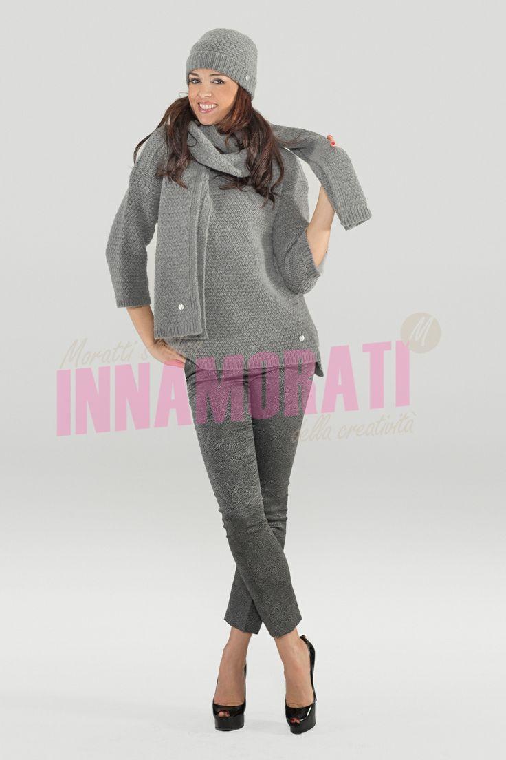 Servizi fotografici a Cura di Morris Moratti http://morrismoratti.com  Contatto info@morrismoratti.com - 3289169787 - 0307722364 #Servizi fotografici #Catalogo #maglioni #vestiti #lusso #dress