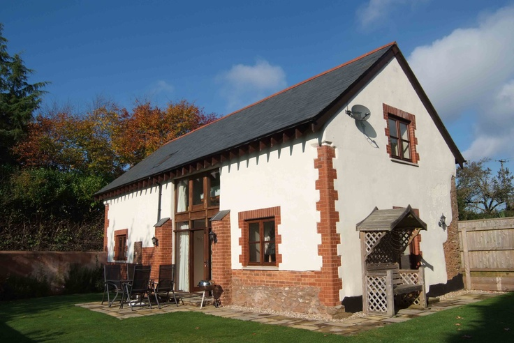 Sandy Cross Barn (2064)  holiday cottage http://www.classic.co.uk/holiday-cottage/desc-2064.html  A Grade II Listed, boasting an enclosed sunny garden, for 6 people. — at 2.5 miles N of Budleigh Salterton, Devon.