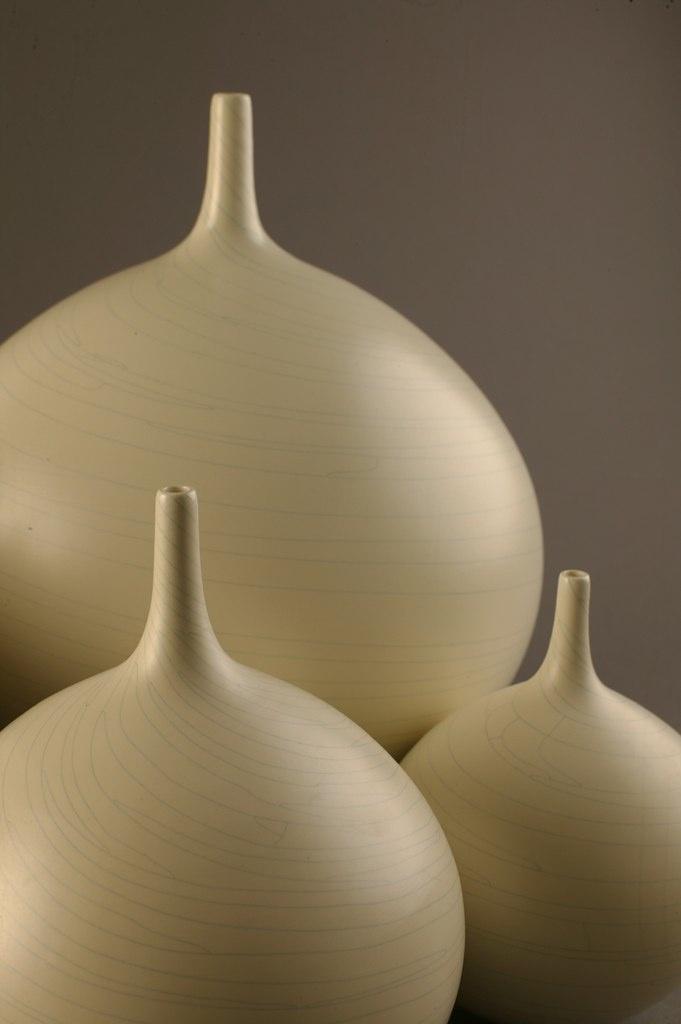Beautiful silhouettes - Peter Collis ceramics