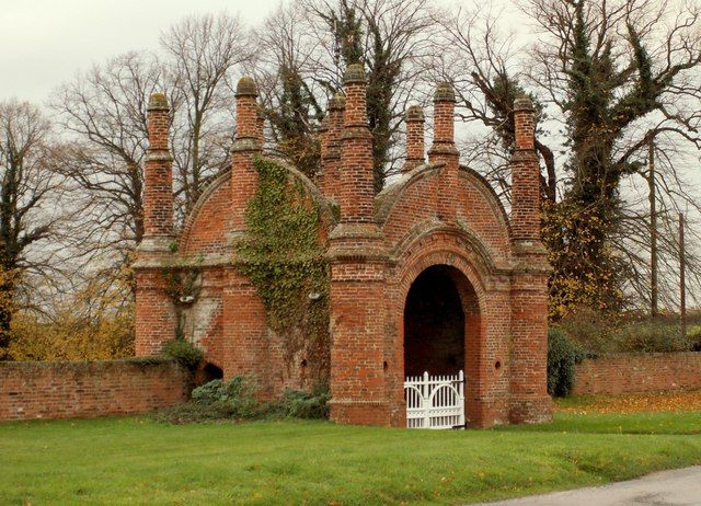 File:Erwarton Hall Gatehouse - geograph.org.uk - 283393.jpg