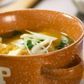 Sopa de Estrellas, Pescado, Tofu, Espinaca y Cebolla Cambray
