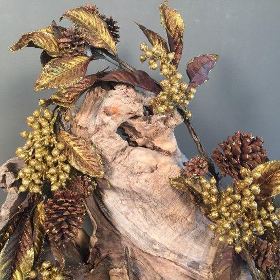 Χριστουγεννιάτικη Χρυσή Γιρλάντα Γκι Φύλλα & Κουκουνάρια