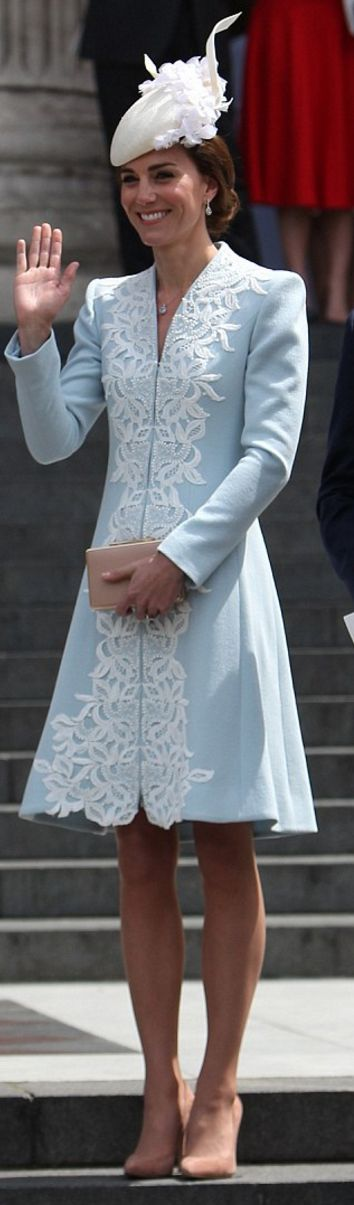 Who made Kate Middleton's blue coat, clutch handbag, and nude suede pumps? Catherine Webb