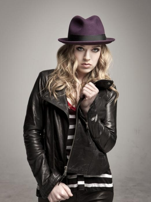 ZZ Ward...my new favorite singer!! Love her voice!!