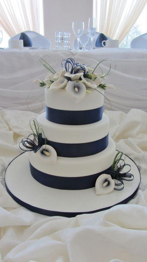 Navy Blue Calla Lilies Round Wedding Cakes