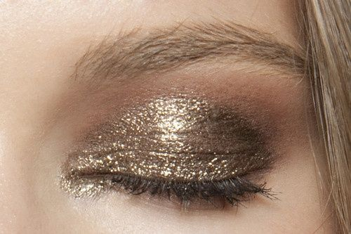 5 Totally Wearable Eye Makeup Tutorials | GirlsGuideTo: The Holidays, Golden Eye, Eye Shadows, Eyemakeup, Eyeshadows, Gold Eye, Eye Makeup Tutorials, New Years, Anna Sui