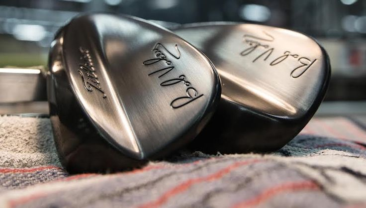 Before the existence of 60-degree lob wedges, which are now commonplace in the bags of amateurs and professionals alike, golfers relied on 56-degree sand wedges to hit all of the necessary shots around the green. While those days are mostly in the past, Titleist says there are still golfers who pref…