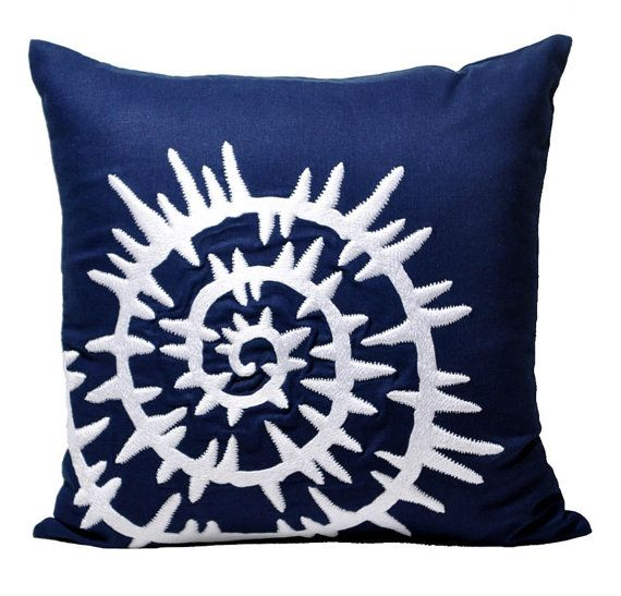 25 best ideas about nautical pillow cases on pinterest nautical scarves nautical petite dresses and easy mom fashion - Blue Decorative Pillows