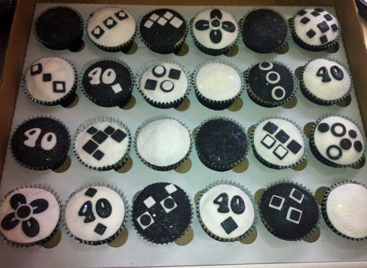 Black & white 40th cupcakes