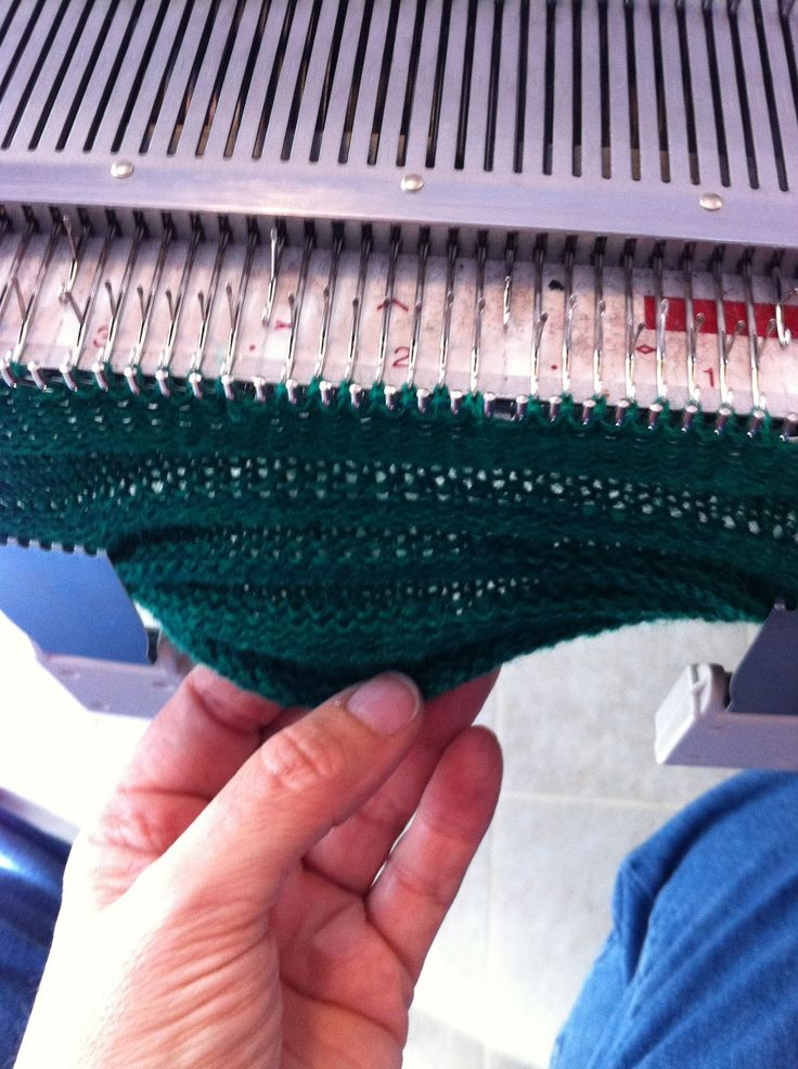 Machine Knitting Fun: technique using garter bar