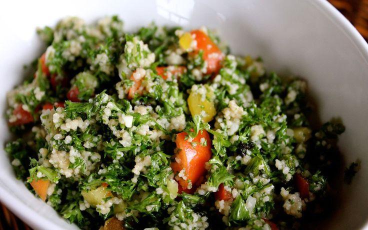 4 personen 20 minuten Limoen en Peterselie Tabbouleh. Een eenvoudig te bereiden, heerlijke frisse salade met veel verse kruiden dat vrijwel bij elk vlees of vis gerecht past! Veel kookplezier! Ingr…