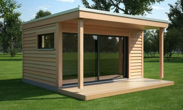 tolle Gartenhaus aus Holz im Garten