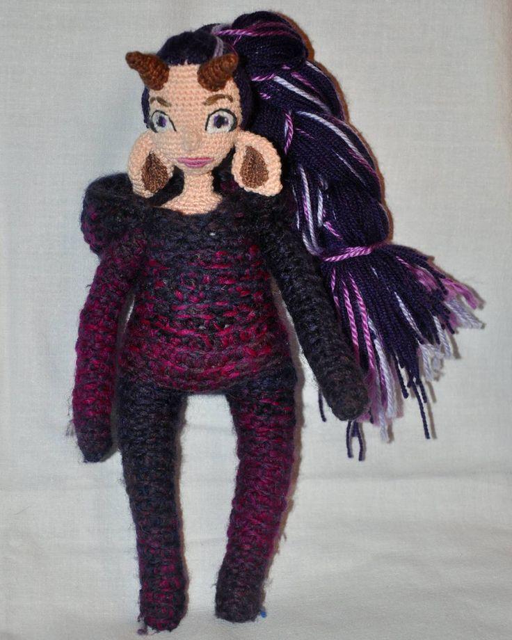 Придумала себе беса, теперь живи и мучайся... И ведь не факт, что платье она одобрит, да и вообще захочет что-либо надеть... кроме капюшона.... #weamiguru #хобби #хендмейд #рукоделие #вязание #вязаное #вязаниекрючком #doll #вязаныеигрушки #вязаныекуклы #amigurumidoll #amigurumi #crochet #knitting #faurik #амигуруми #gurumigram #handmadedolls #artdolls #craft #crochettoy#dolls