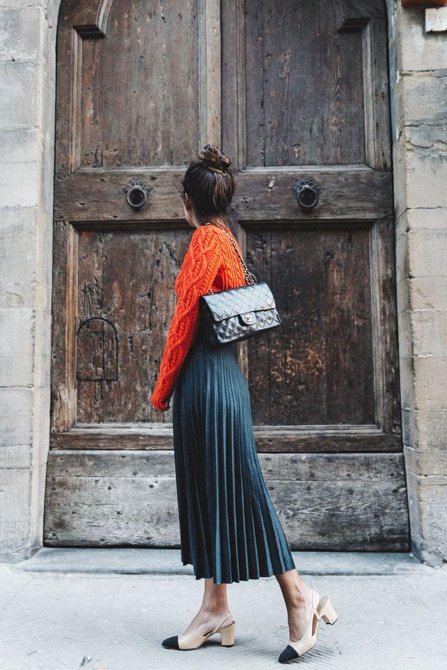 By Assistant Editor Ashley  image Have you seen all the pleats floating around this fall? Specifically pleated skirts? They're so lovely with the most amazing movement, especially the metallic ones (s