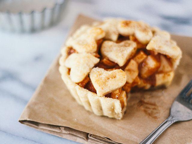 single serving deep dish apple pie