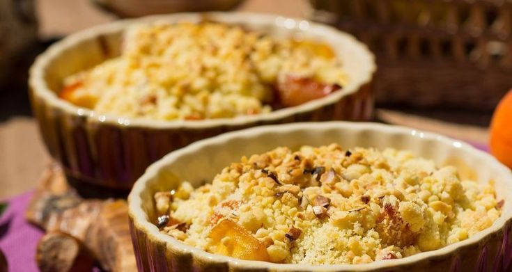 An all-time favorite apple and pear crumble! A nice blending of crunchy, soft and creamy textures.. each adding its own flavor. Whether you eat it warm or cold.. it's always delicious!! #breakfast #crumble #recipeoftheday #akispetretzikis