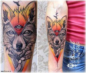 Líška, tretie oko  #art #tat #tattoo #tattoos #tetovanie #original #tattooart #slovakia #zilina #bodliak #color_tattoo #bodliaktattoo #bodliak_tattoo #fox_tattoo #fox #third_eye #third_eye_tattoo