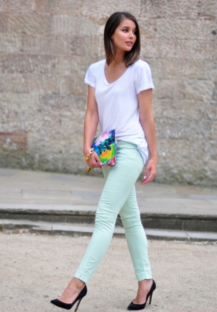 Mint Jeans! … Love the simplicity paired with a white V neck….. despise the tie dye clutch…  Ewww!
