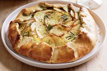 Food : Ten Savoury Pies For The Weekend  Potato And Leek Pie | Taste.com.au