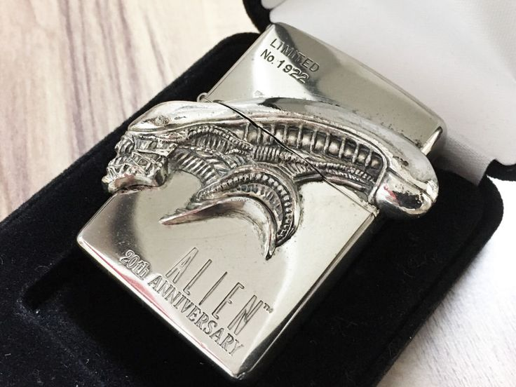 "ZIPPO Limited Edition ALIEN 20th Anniversary Giger ""Xenomorph"" Lighter No.1922 