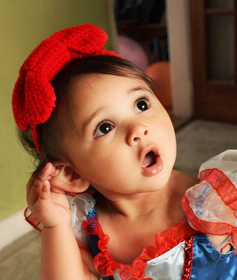 12 to 24m Toddler big bow headband in red.  Handmade with love by Babamoon :)   *Can also be made in sizes Preemie to Adult and in other colours!   #handmade #babyheadband #baby #headband #babybow #bow #bowtie #babies #style #stylishkids #red #babyheadwrap #bowheadband #bows #bowtie #birthday #babyshower #babyshowergift #chic #etsy #babyfashion #childrensfashion #kidsfashion #babygifts #gifts #etsygifts #photoprop #photographyprop #trend #fashion #style #newbornphotography #newbornprops…