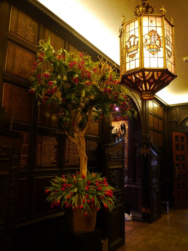 Japanese inspired floral arrangements in Middle Temple hallway
