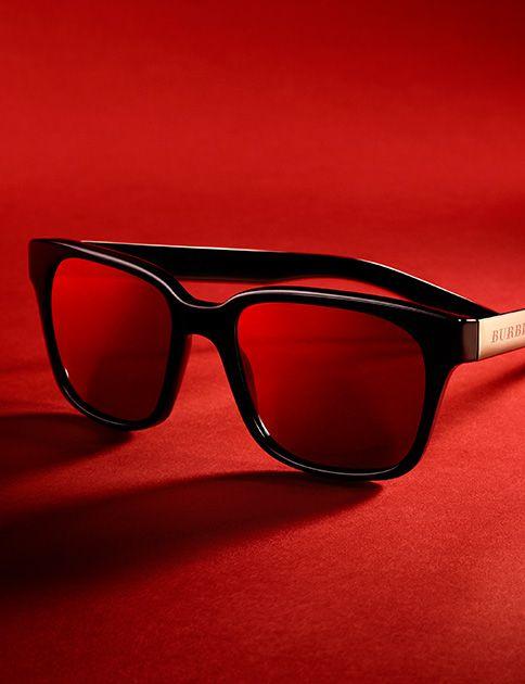 Black square-frame sunglasses inspired by Burberry Brit Rhythm, the new fragrance for men