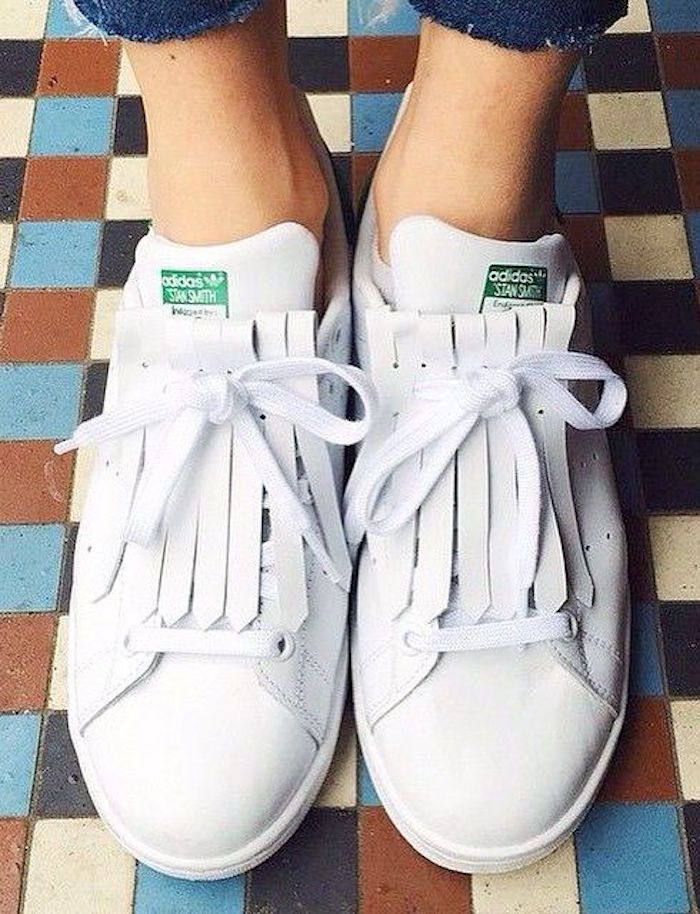 huge discount fb9ae bbfa0 stan smith adidas femme blanche franges languette lacets cuir   Mode    inspi   Chaussure, Baskets adidas et Chaussures adidas