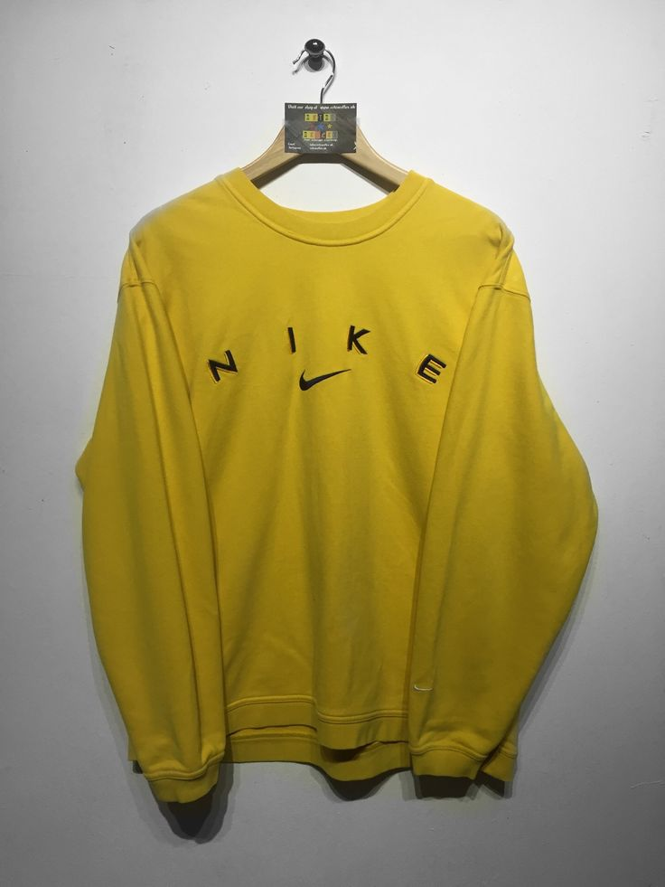 Nike sweatshirt Size Large £36 Website➡️ www.retroreflex.uk #nike #vintage #oldschool #sweatshirt #retro