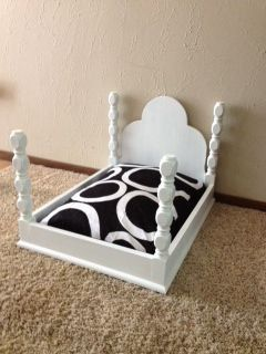 dog bed :) I can totally picture two big and one medium just like this lined up in my bed room