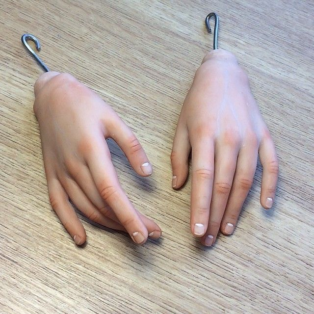 example-blushed hands and nails
