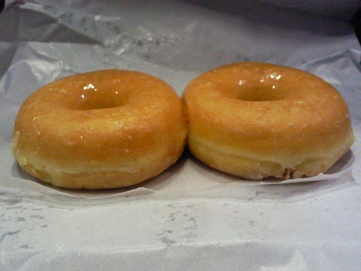 Donuts caseros. Receta paso a paso.Nosotros te proponemos nuestro cortador para que te queden perfectos. http://www.ibilimenaje.com/catalogo/ver-producto/cortador-de-donuts/1852/