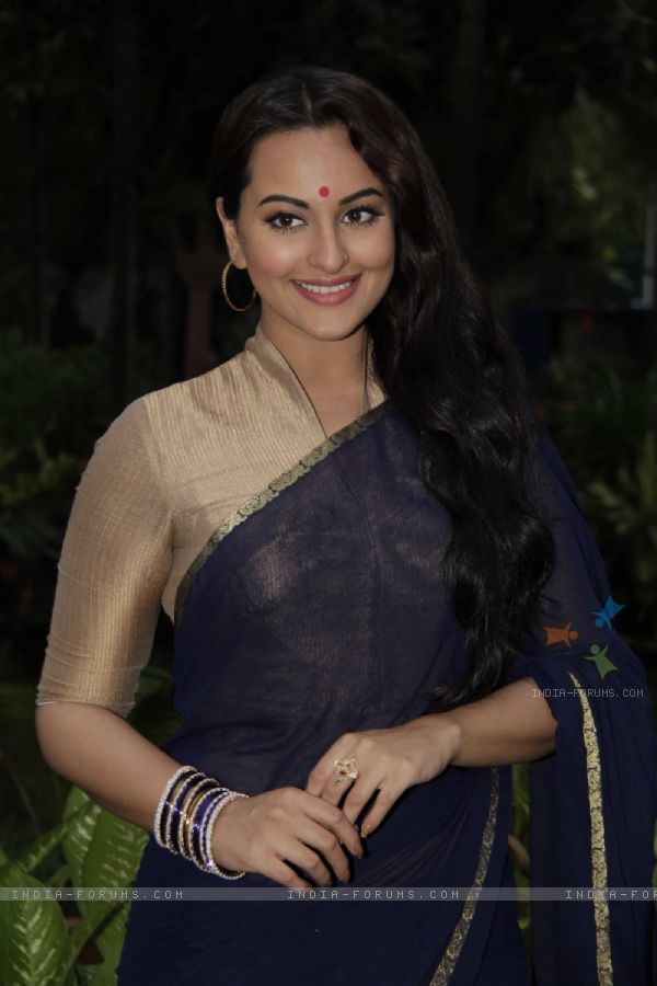 Sonakshi Sinha On the sets of Uttaran to promote the film Lootera in Uttaran TV Show