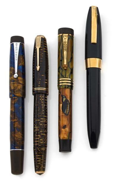 Lot de 4 #stylos plumes des années 50 environ. Vendus aux #encheres le 11/04/14 par Aguttes SVV