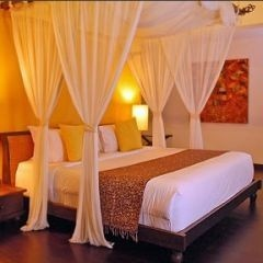 how to create the look of a canopy in a small bedroom; I am definitely thinking of doing this - by Repinly.com