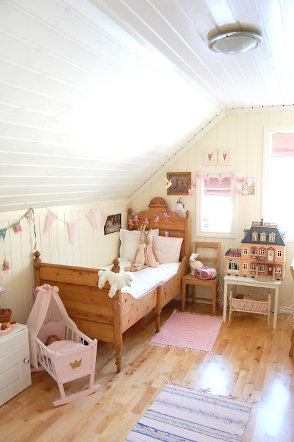 Augusta's pink room <3