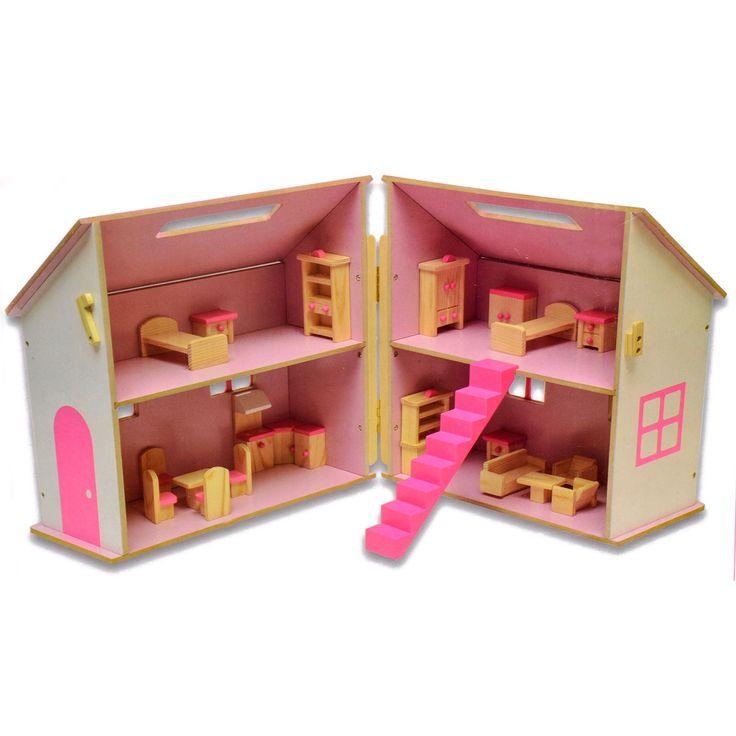 Door de handige handgreep neem je dit mooie houten poppenhuis heel gemakkelijk mee. Je kan dus overal met je poppenhuis spelen! Je krijgt er 22 poppenmeubeltjes bij, dus je mag zelf je huis inrichten. Waar maak je de woonkamer, keuken en de slaapkamers? Afmeting: 30 x 27 x 30 cm - Houten Poppenhuis met Meubels