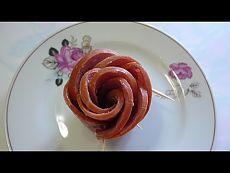 ▶ Украшения стола. Как красиво оформить блюдо. Роза из колбаски. Цветы из колбаски. - YouTube