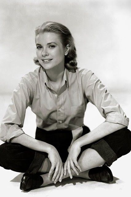STYLE ICON : Grace Kelly ‪#‎StyleIcon‬ - Pale colored button-up, tucked into straight leg jeans (cuffed), penny loafers
