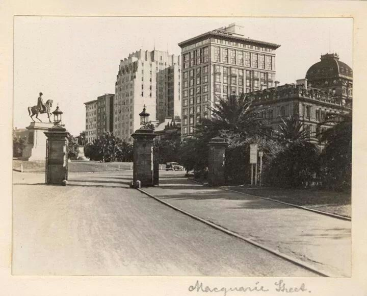 The gates to the Garden Palace, Macquarie St,Sydney in 1935.A♥W