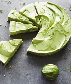 Une tarte fraiche et healthy à l'avocat et citron vert un dessert vegan, raw et gluten free bref une vraie pépite à essayer de toute urgence