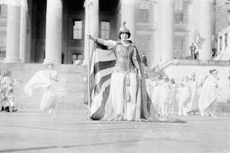 Wahlrechtsshow:  Die Suffragetten-Parade vom 3. März 1913 endete vor dem...