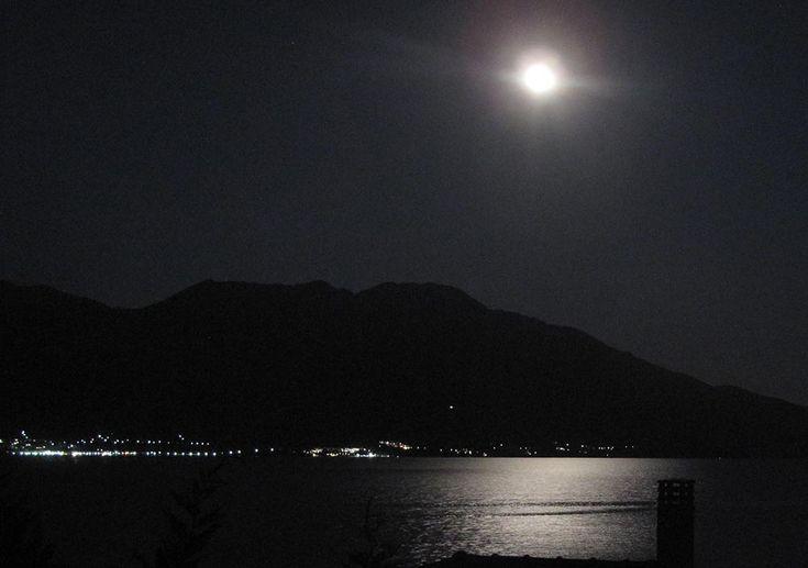 Splendid full moon view from the villa