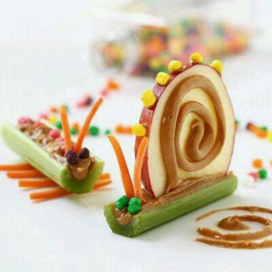 Fun food idea for kids to   http://amazingdesertforyou.13faqs.com