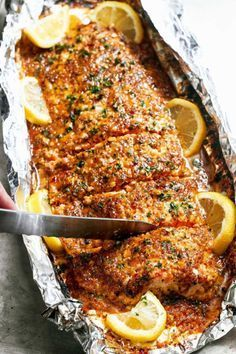 Salmon with honey and baked garlic   – Fisch