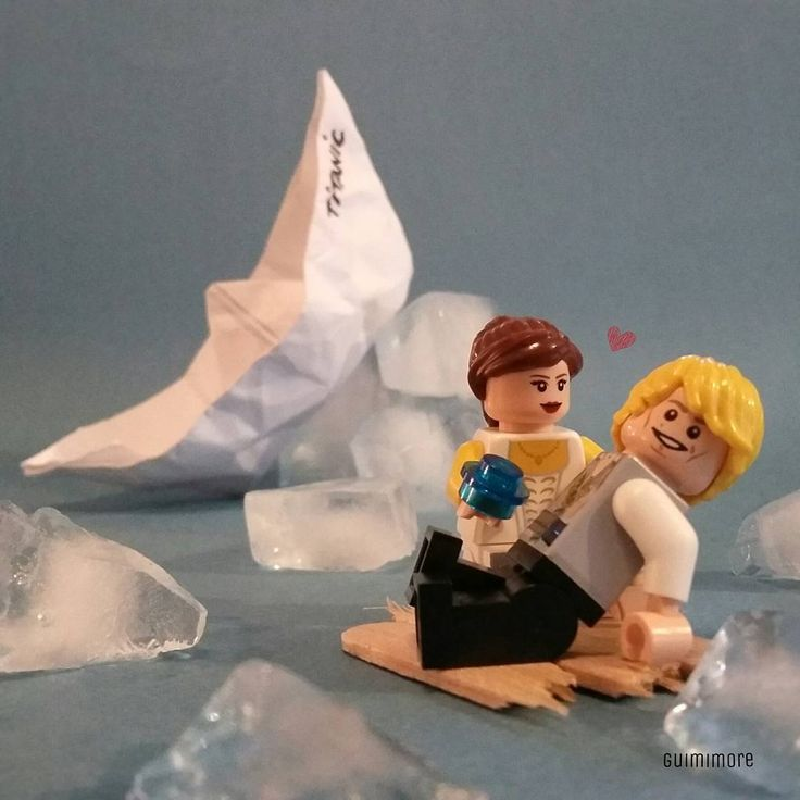 Titanic  #origami #boat #titanic #oscar #awards #leonardodicaprio #katewinslet #jamescameron #iceberg #oceanheart #jackdawson #rosedewittbukater #celinedion #myheartwillgoon #LEGO #minifigures #minifig #legography #toy #afol